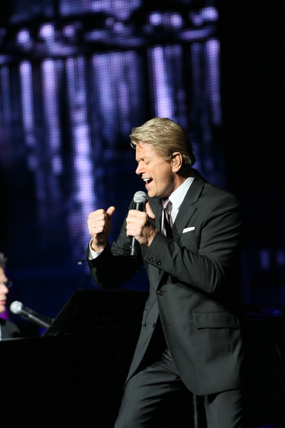 Peter Cetera Performs with Pittsburgh Symphony Orchestra in Concert at Heinz Hall on July 7