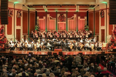 holiday-pops-stage_credit-wade-massie